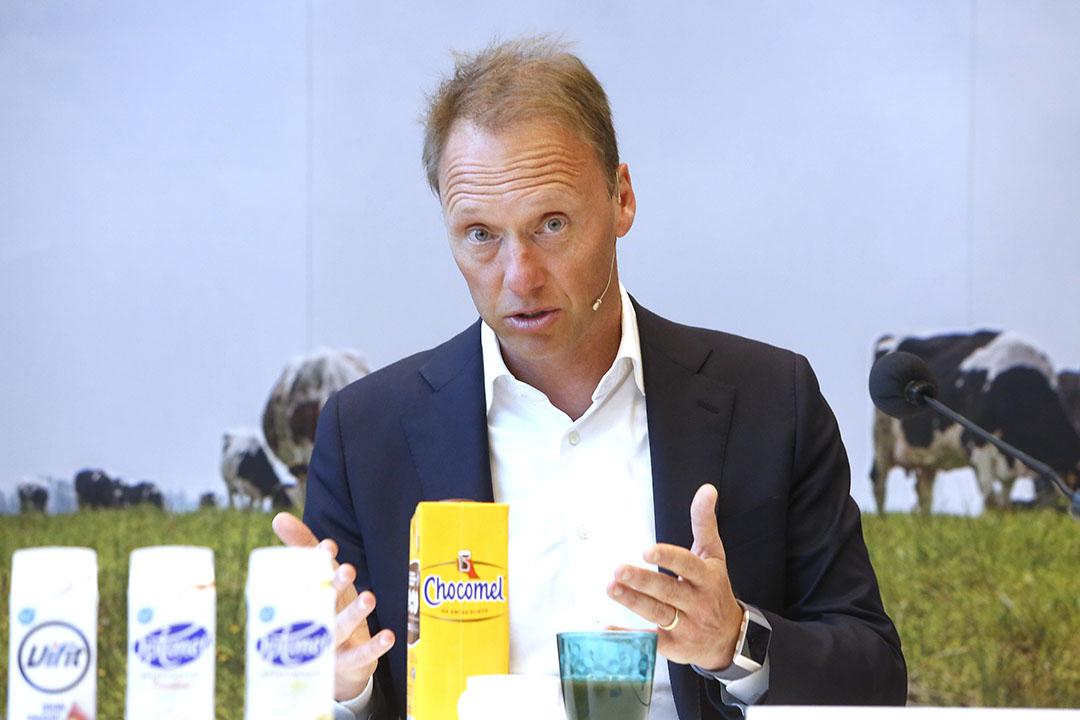 """FrieslandCampina-topman Hein Schumacher wil af van de binnenlandse concurrentie tussen zuivelaars op duurzaamheid. """"Ik wil concurreren op smaak. Dan kun je niet tegen elkaar worden uitgespeeld door de retail en blijven de plussen op de melkprijs in stand."""" -  Foto: Ton Kastermans"""