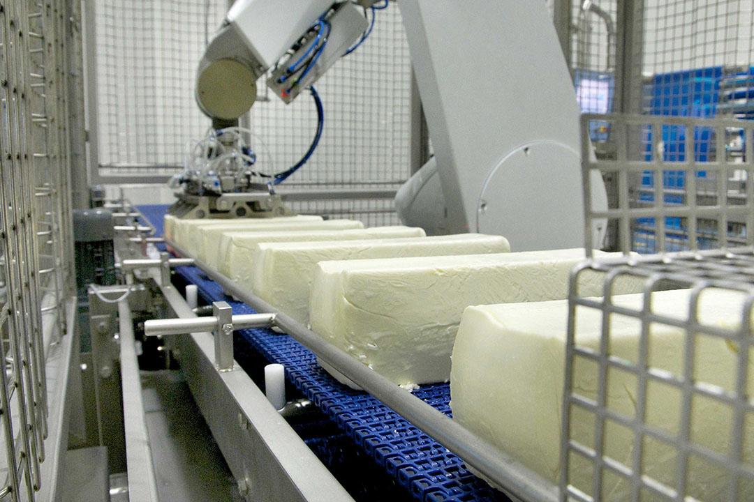 Milcobel-leden protesteerden donderdag bij de mozzarellafabriek in Langemark tegen de (te) lage melkprijs. - Foto: Milcobel