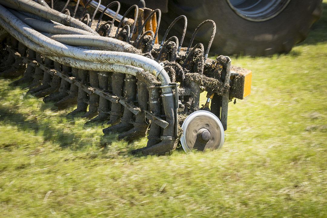 Verdunnen van mest met water is een van de methoden om de uitstoot van ammoniak bij mestaanwending te verminderen. Foto: René den Engelsman