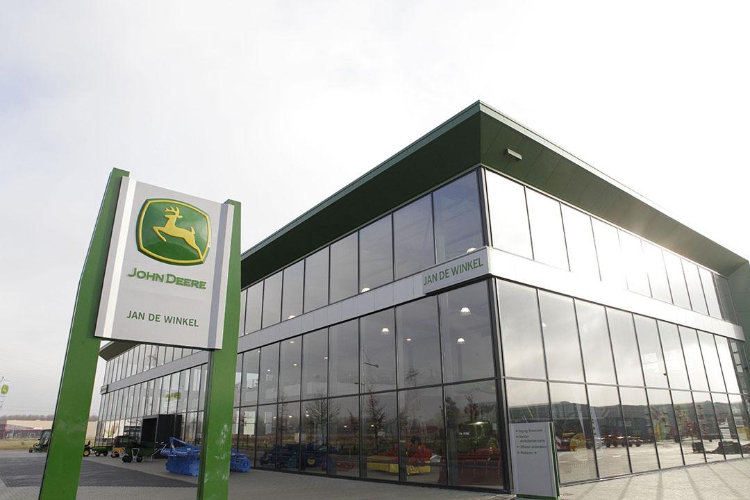 Een vestiging van John Deere-dealer Jan de Winkel die eind 2019 werd overgenomen door Groenoord. Groenoord, Kraakman en Geert-Jan de Kok zijn de enige overgebleven John Deere-dealers in Nederland. - Foto: Hans Prinsen