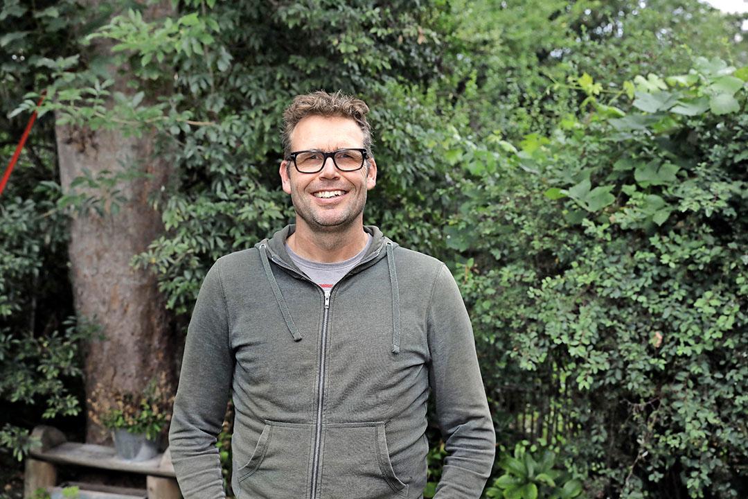 Udo Prins is onderzoeker duurzame teelt bij het Louis Bolk Instituut. - Foto: Roel Dijkstra