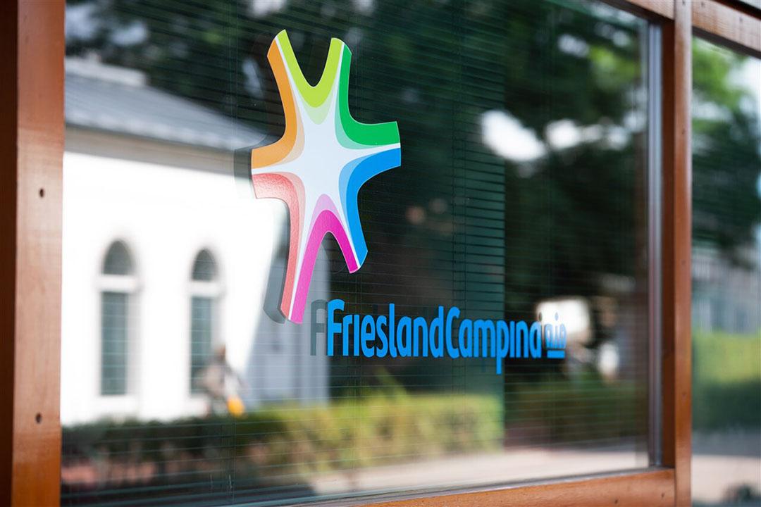 Het logo van FrieslandCampina op het hoofdkantoor van de zuivelaar in Amersfoort. - Foto: ANP