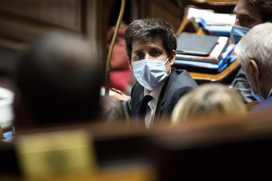 Franse minister van landbouw Julien Denormandie heeft een wetsvoorstel ingediend om volgend jaar en zo nodig de twee daarop volgende seizoenen bietentelers weer toe te staan neonics toe te passen. Foto: ANP