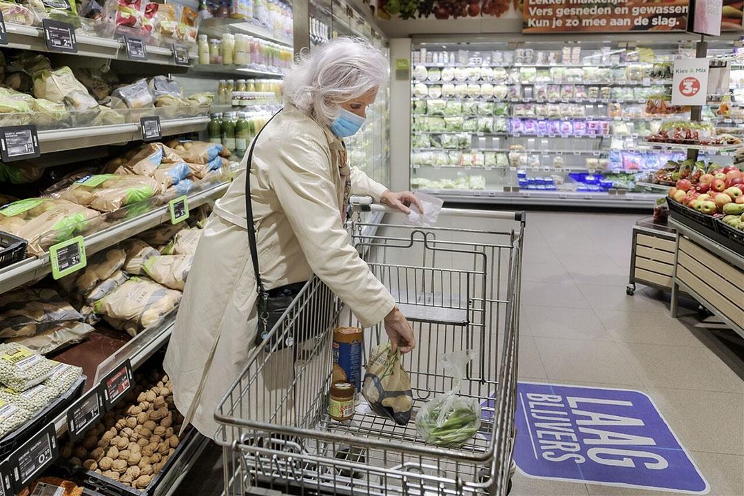 Vanaf 2021 moeten ook supermarkten, speciaalzaken en marktkramen die handelingen met biologische producten uitvoeren gecertificeerd worden. Foto: David Rozing/ANP