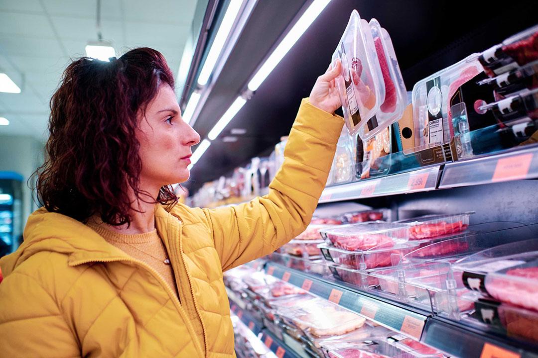 Als de vleestaks wordt ingevoerd, dan komt vlees onder het hoge btw-tarief van 21% te vallen. - Foto: Canva/Álvaro González