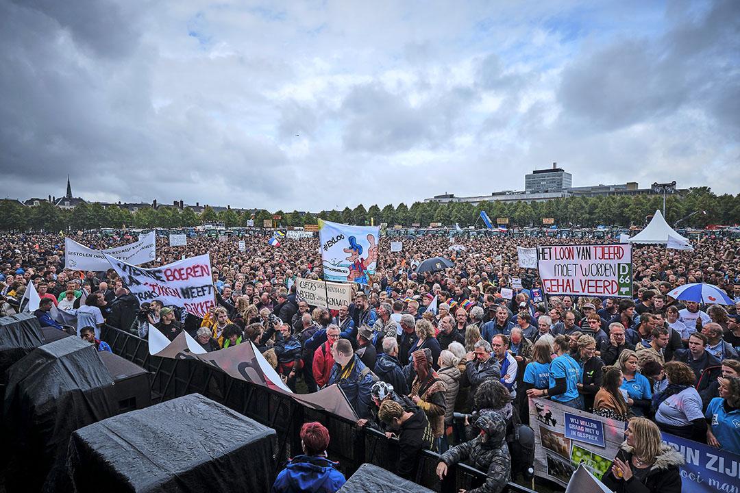 1 oktober 2019: duizenden boeren demonstreren op het Malieveld in Den Haag. De actie zette boeren weer op de kaart, maar politici hielden voet bij stuk. - Foto: Fred Libochant