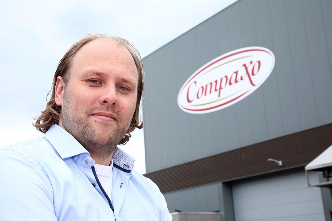 Menno van der Post (36) is directeur van Compaxo. Het bedrijf slacht en verwerkt varkens op twee locaties: Gouda en Zevenaar. - Foto: Henk Riswick