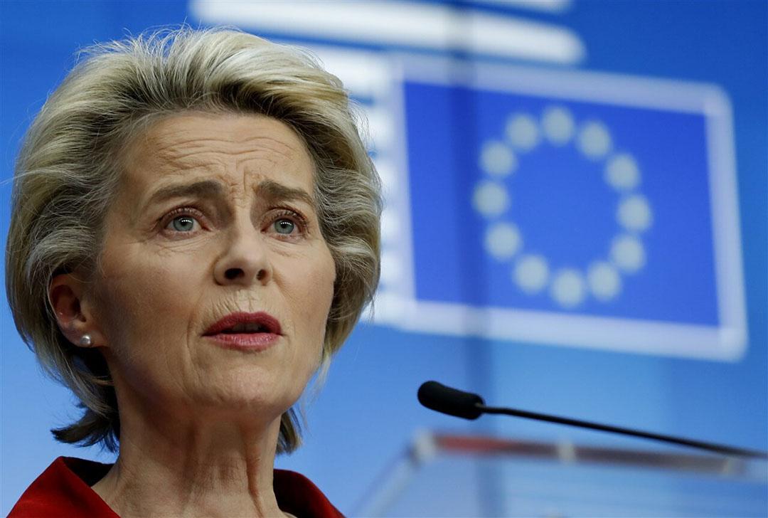 EC-voorzitter Ursula von der Leyen (foto) en premier Boris Johnson hebben zaterdagmiddag weer telefonisch met elkaar gesproken, maar zijn daar niet optimistischer door geworden. Foto: ANP/AP