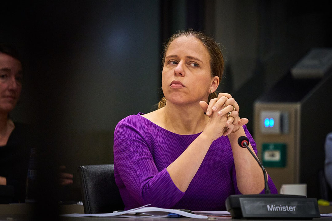 Minister Carola Schouten van Landbouw, Natuur en Voedselkwaliteit tijdens het debat over de coronabesmettingen op nertsenfokkerijen. Foto: ANP