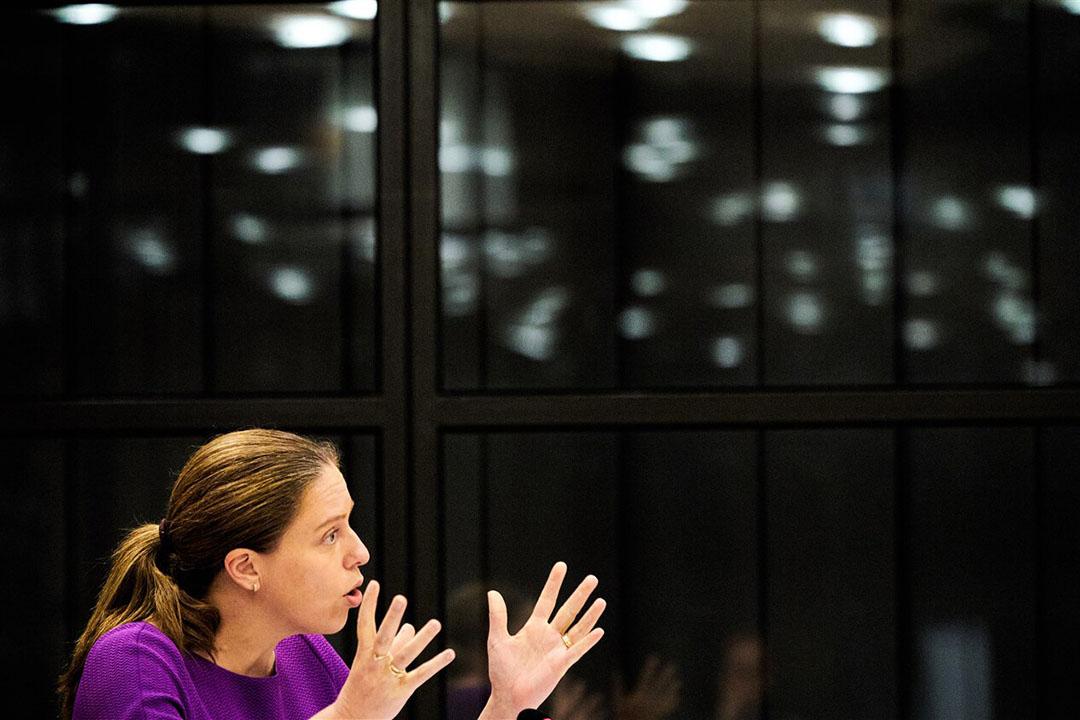 Minister Carola Schouten van Landbouw, Natuur en Voedselkwaliteit (ChristenUnie) tijdens het debat over de coronabesmettingen op nertsenfokkerijen. Een meerderheid in de Tweede Kamer wil dat alle fokkerijen eerder dichtgaan. - Foto: ANP