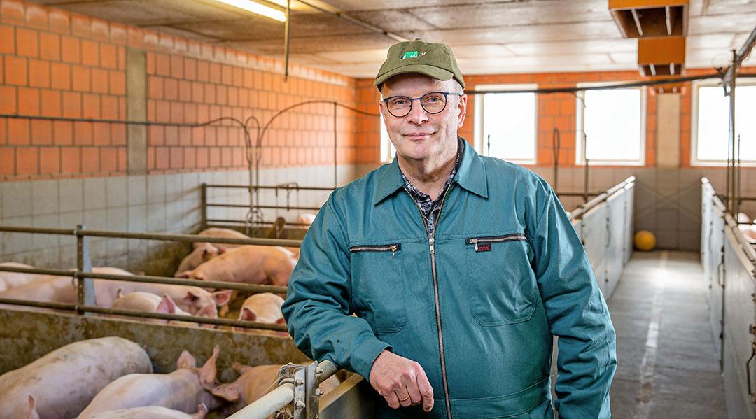 WLV-voorzitter Hubertus Beringmeier in zijn varkensstal. - Foto: WLV/Peter Lessmann