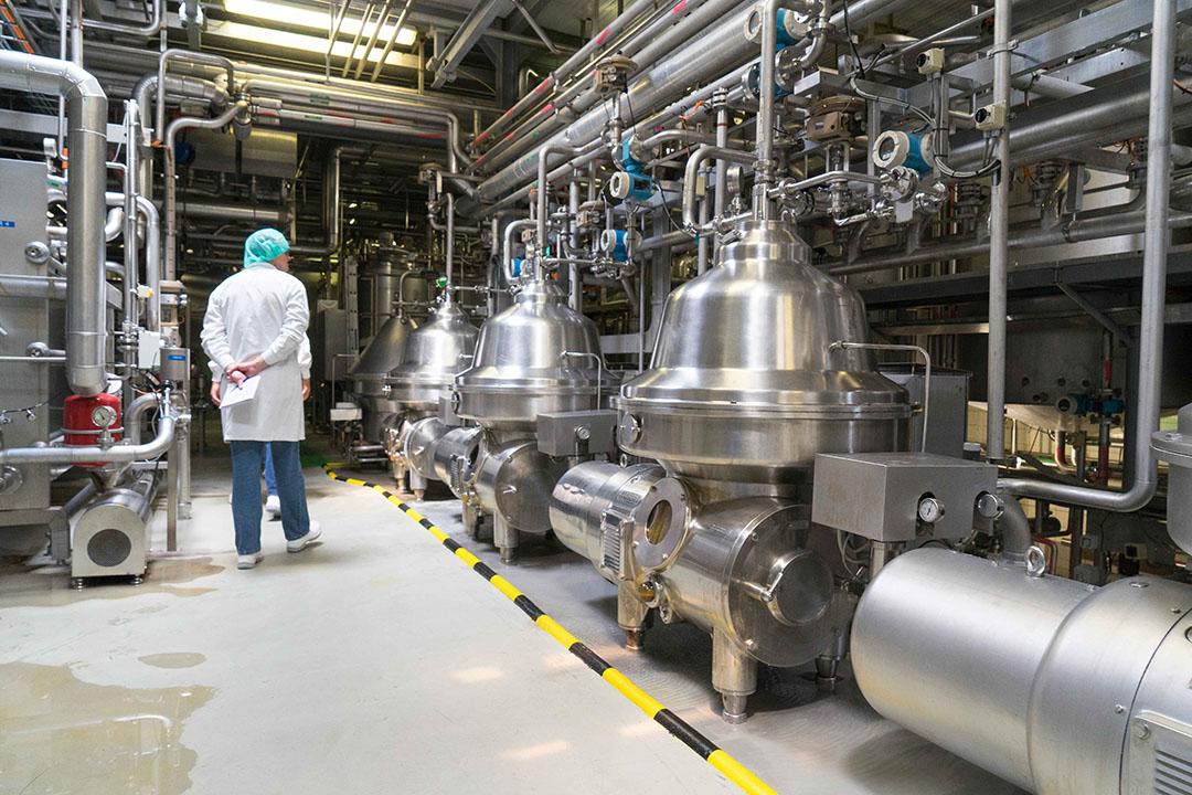 Productielocatie van FrieslandCampina in Nederland. Het zuivelbedrijf maakte eerder al bekend dat in Nederland banen gaan verdwijnen. - Foto: Jan Willem van Vliet