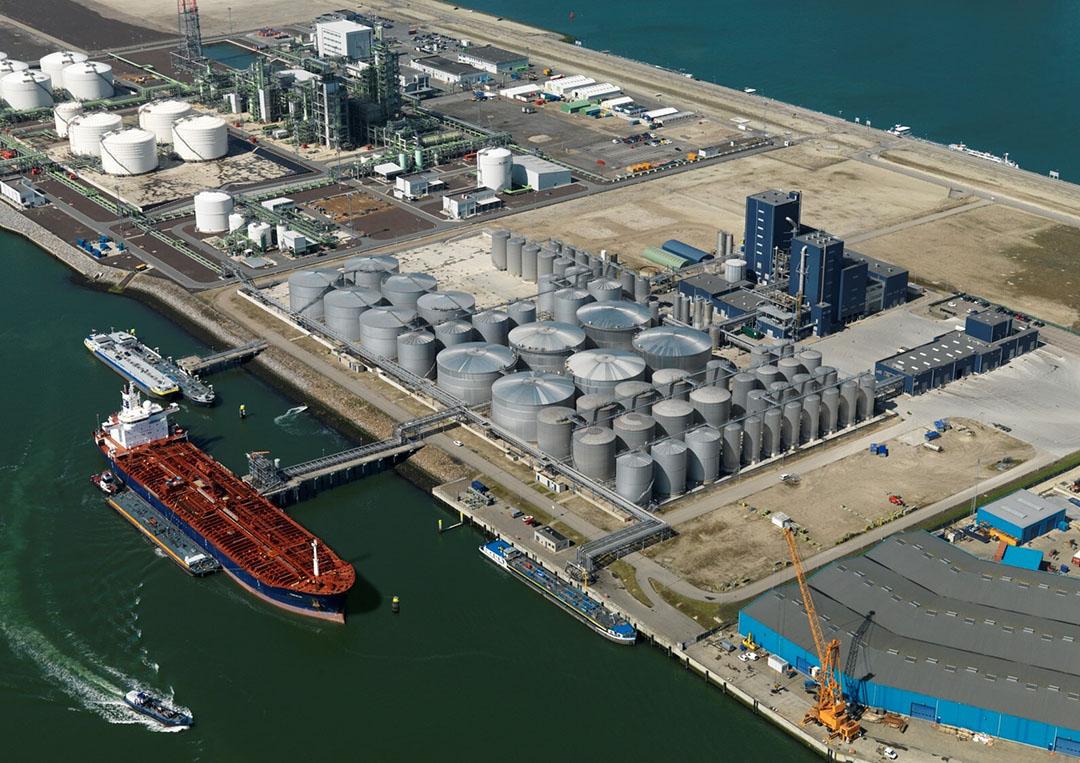 De raffinaderij die Neste overneemt van Bunge Loders Croklaan. - Foto: Neste