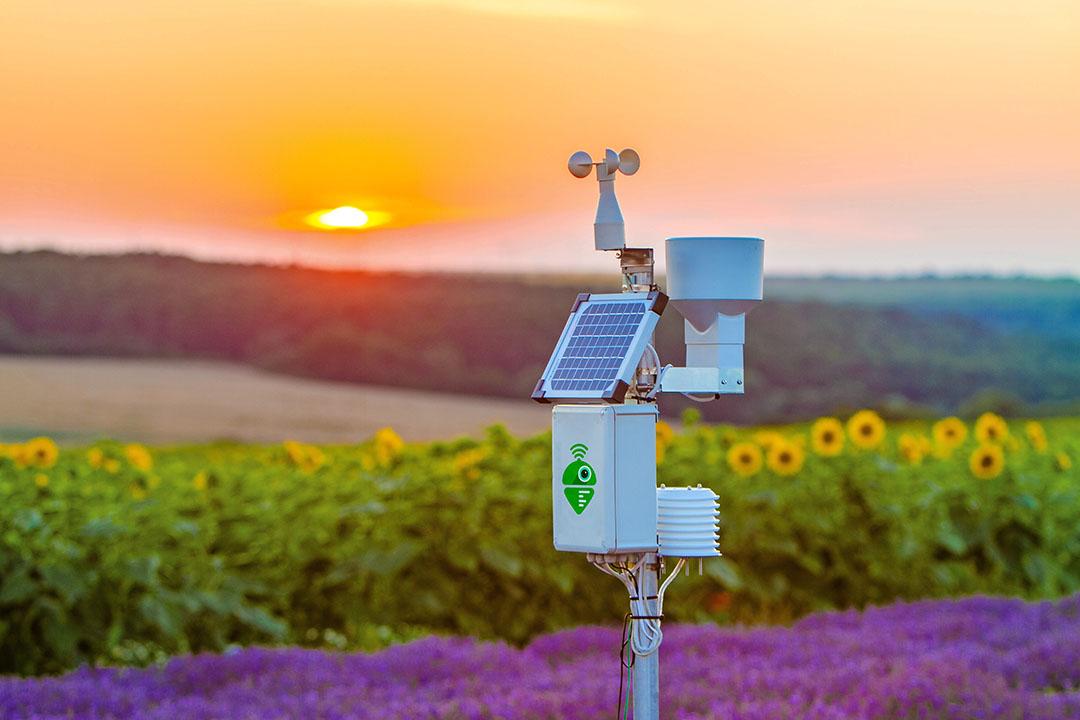Aqua-Traxx driptape wordt geleverd met een meetstation en een op zonne-energie aangedreven pompsysteem. Foto: Veha Plastics