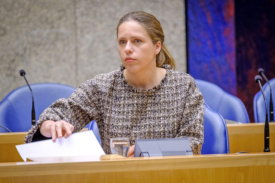 Minister Carola Schouten heeft in de Tweede Kamer naast de coalitiepartijen tenminste één extra stem nodig om een meerderheid te krijgen voor haar Wet Stikstofreductie en Natuurverbetering. - Foto Roel Dijkstra