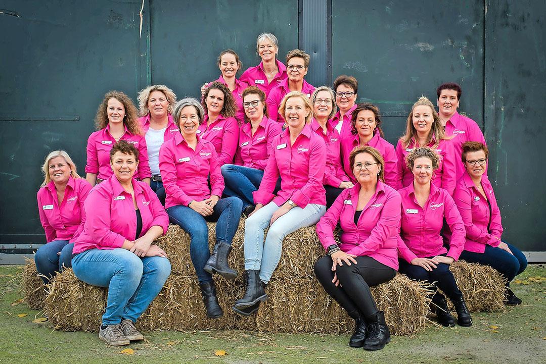 mmmEggies, legpluimveehoudsters uit heel Nederland die al zes jaar het Nederlandse ei en de Nederlandse legpluimveesector promoten. - Foto: mmmEggies