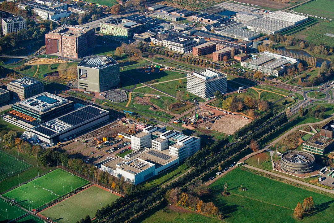 De campus van Wageningen University & Research met linksonder de gebouwen van FrieslandCampina en Unilever. - Foto: ANP