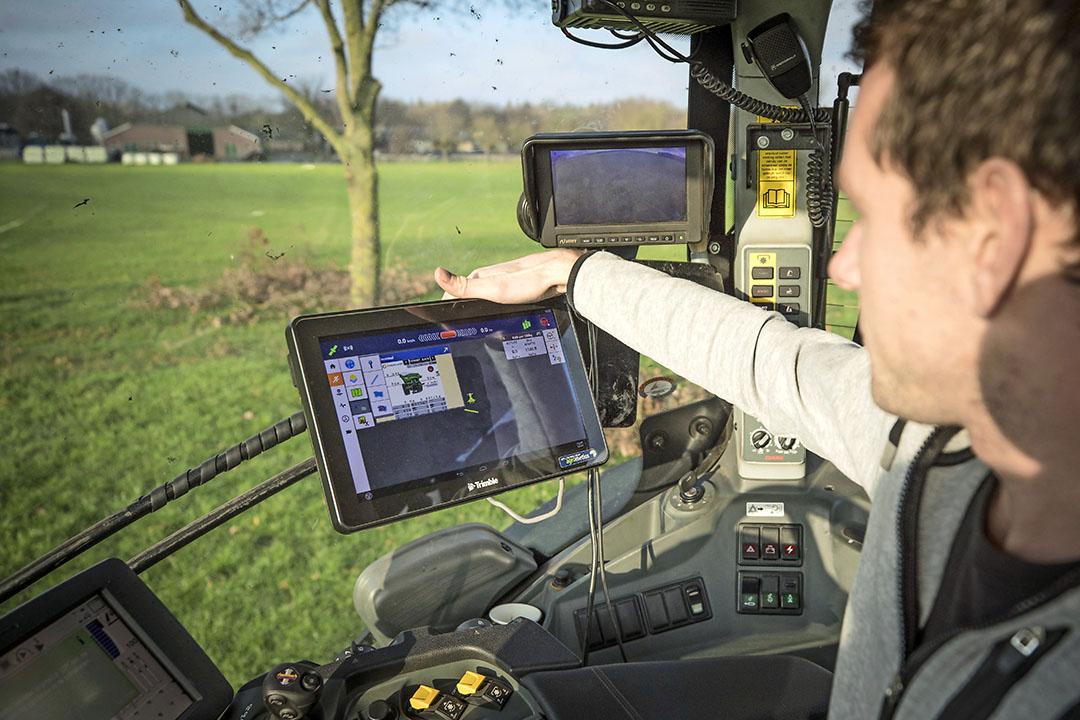 Precisielandbouw. De Nederlandse agrifoodsector kan in lijn met het Klimaatakkoord meer produceren met minder, zegt Aalt Dijkhuizen. - Foto: Koos Groenewold