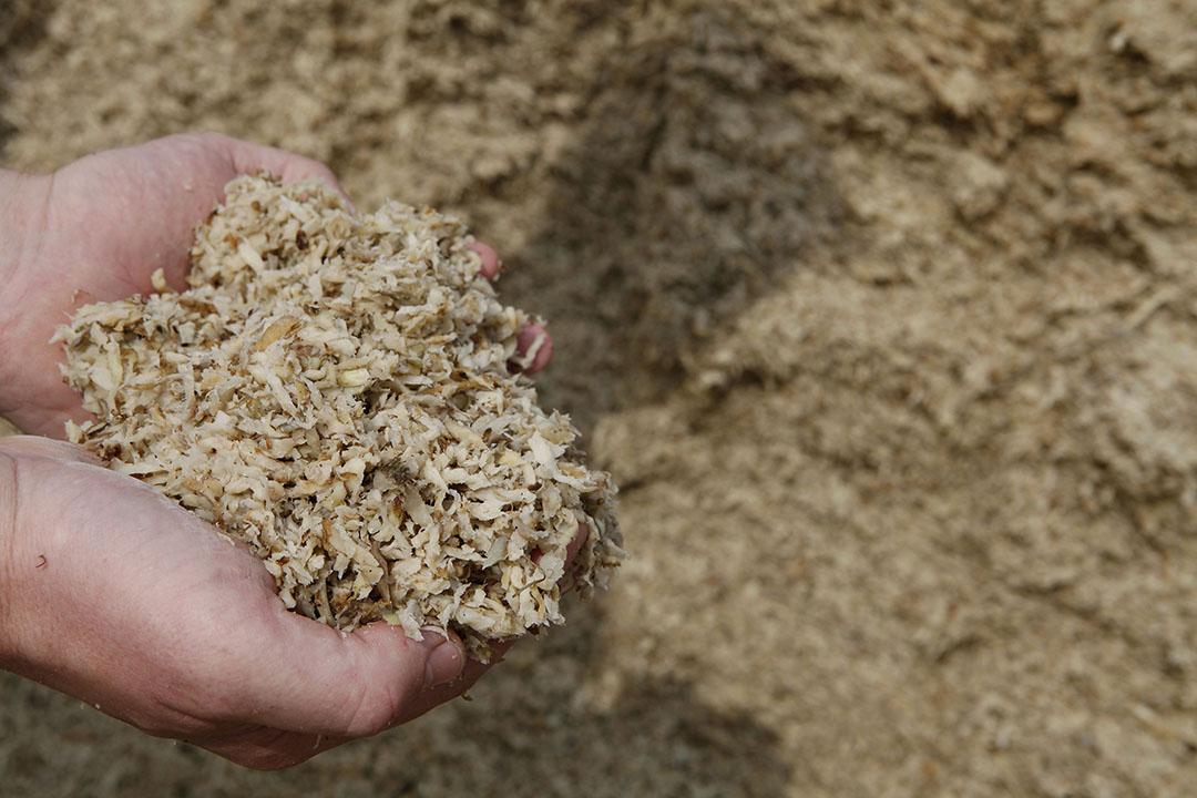 Aardappelbijproducten, zoals aardappelsnippers, zijn goed beschikbaar. - Foto: Hans Prinsen