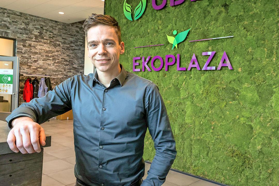 Hans van Mierlo (36) is marketingmanager bij groothandel Udea; moederbedrijf van onder meer Ekoplaza. - Foto: Bert Jansen