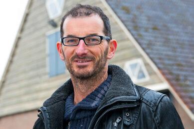 Joost van Strien is vegan akkerbouwer in Ens. - Foto: Ruud Ploeg