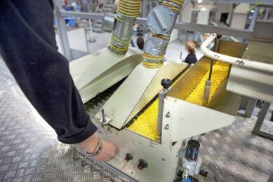 Bij groenteveredelingsbedrijf Rijk Zwaan in het Westland worden op de emballage-afdeling zaden ingepakt. De zadensector speelt een belangrijke rol in de voedselvoorziening. Foto: ANP