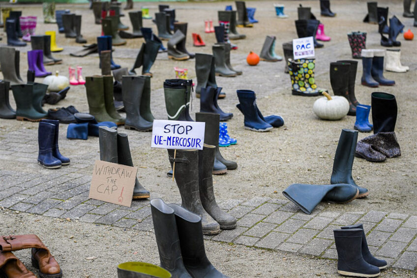 Protest in december vorig jaar in Brussel tegen het EU-Mercosurakkoord. - Foto: ANP