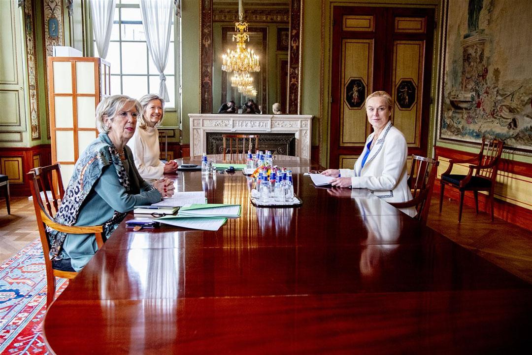 Fractievoorzitter Sigrid Kaag van D66 in de stadhouderskamer in de Tweede Kamer voor een gesprek met verkenners Annemarie Jorritsma en Kasja Ollongren. - Foto: ANP