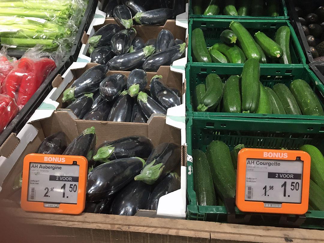 Aubergines komen al veel uit Nederland, courgettes nog allemaal uit Spanje.