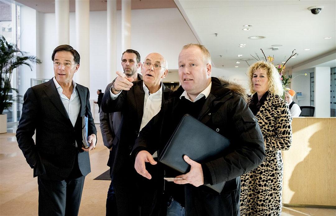 Premier Mark Rutte overlegt op 5 februari 2020 met vertegenwoordigers van het toenmalige Landbouwcollectief, met helemaal rechts Trienke Elshof van LTO Nederland. - Foto: ANP