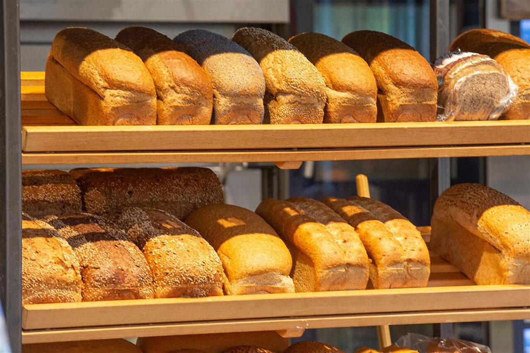 Versgebakken broden. Het CBS telde in 2020 meer bakkers dan een jaar eerder. - Foto: Hollandse Hoogte/ANP
