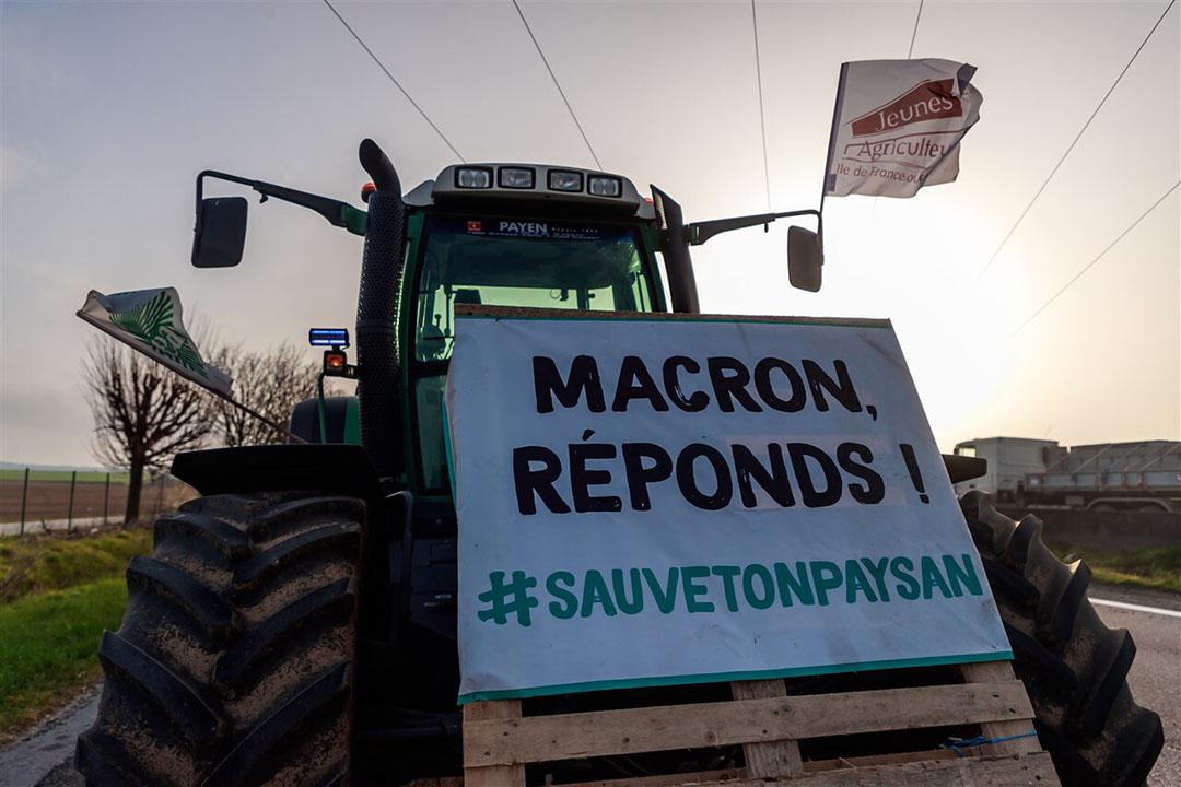 Franse boeren protesteren vrijdag 2 april in en rond grote steden. - Foto: ANP