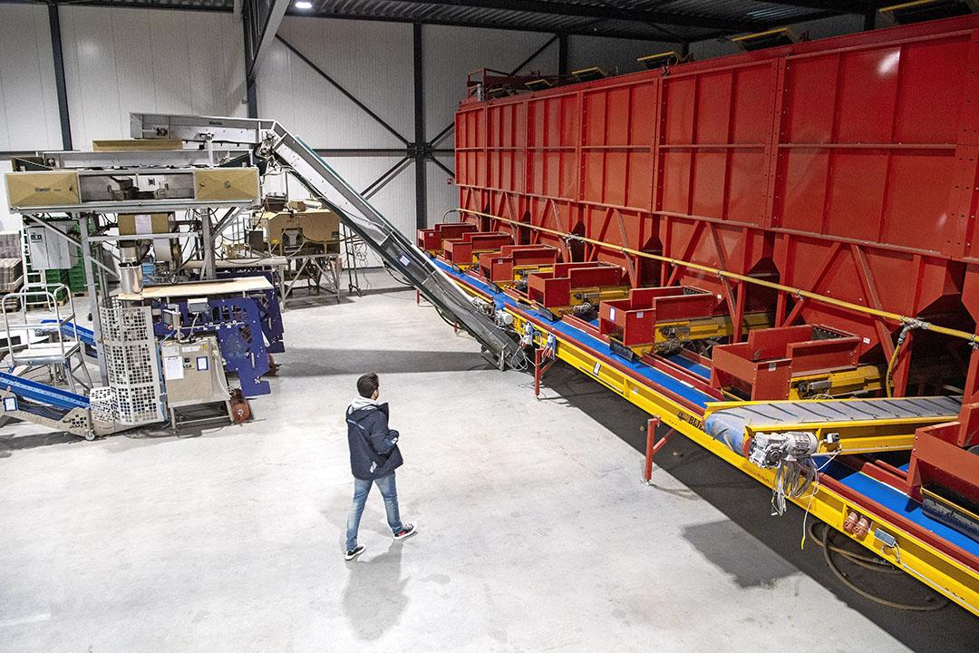 De fabriekshal van A.C. Loogman in Aalsmeer. De inboedel is inmiddels geveild. - Foto: Cor Salverius Fotografie