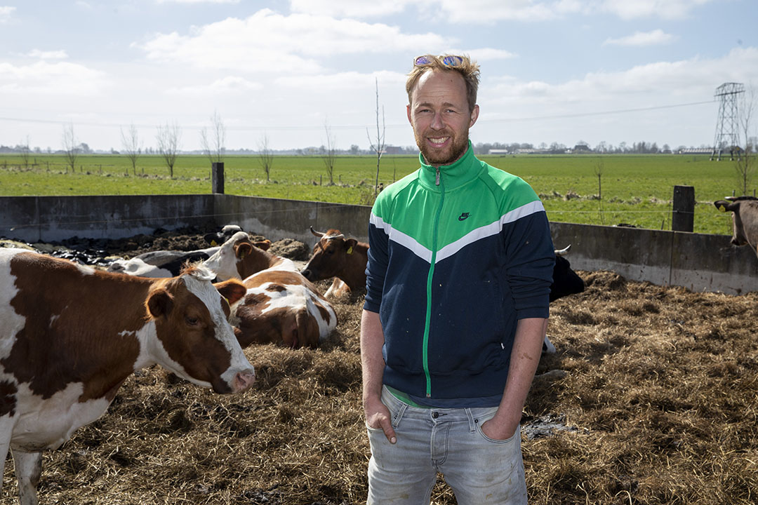 """Biologisch melkveehouder Jaring Brunia: """"Ik ben idealist, maar ook realist."""" Foto: Anne van der Woude"""