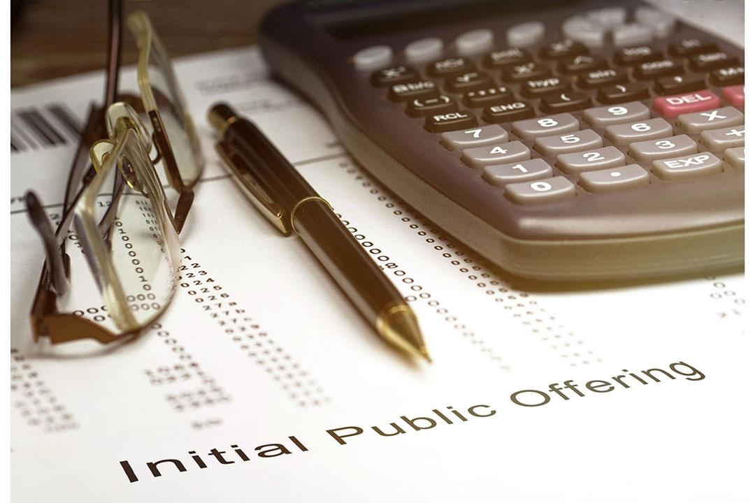 Een IPO (Initial Public Offering) is de beursintroductie, waarbij een onderneming voor het eerst zijn aandelen te koop aanbiedt via de beurs. Foto: Canva