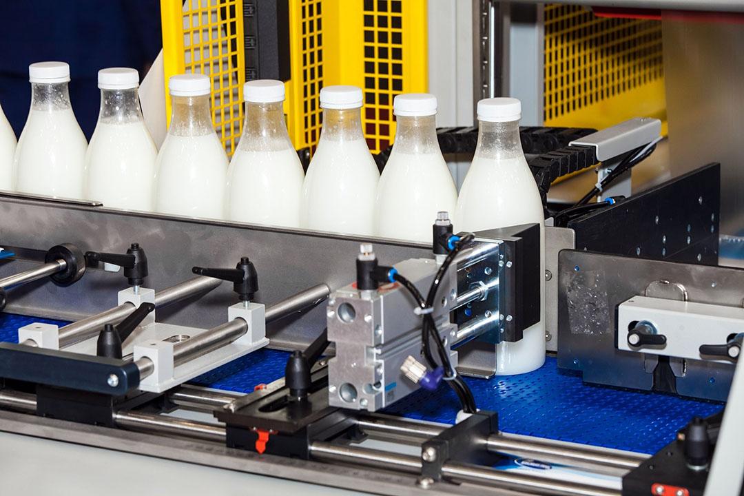 In Nieuw-Zeeland wordt meer melk geproduceerd, in Australië juist minder. - Foto: Canva