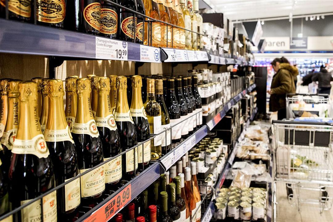 Duitse consumenten geven minder geld uit aan alcohol. - Foto: ANP