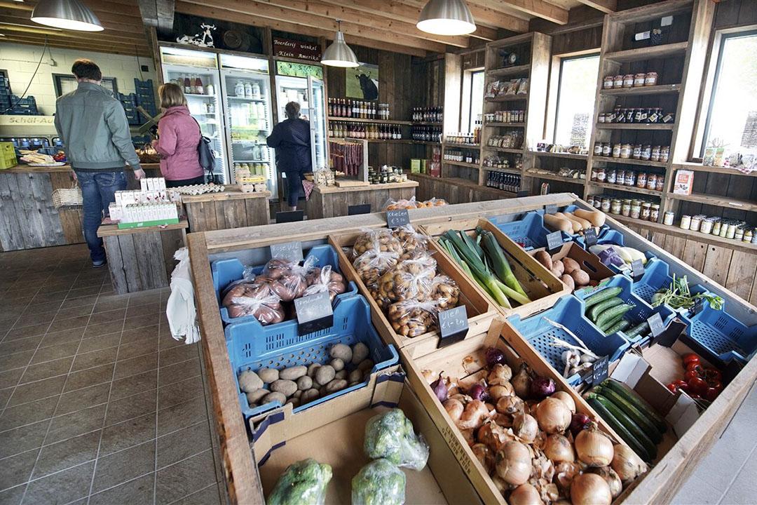 Een boerderijwinkel. Ook in Vlaanderen is steeds meer aandacht voor lokale afzet van landbouwproducten. - Foto: ANP