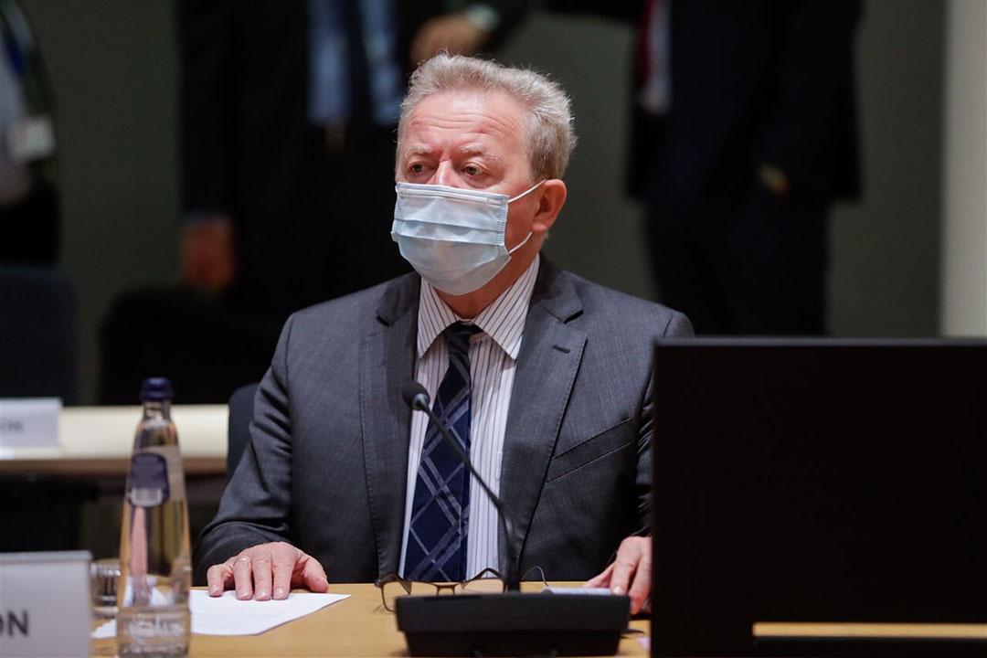 EU-Commissaris Janusz Wojciechowski bij de onderhandelingen over het nieuwe GLB in Brussel. - Foto: ANP