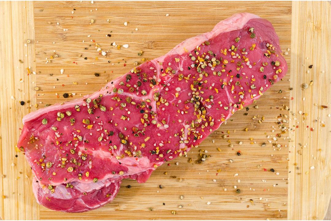 Hoewel er wel wordt gerekend op meer aanbod in het tweede halfjaar, blijven de rundvleesprijzen wel overeind door de hogere vraag na heropening van foodservice-bedrijven. Foto: Canva