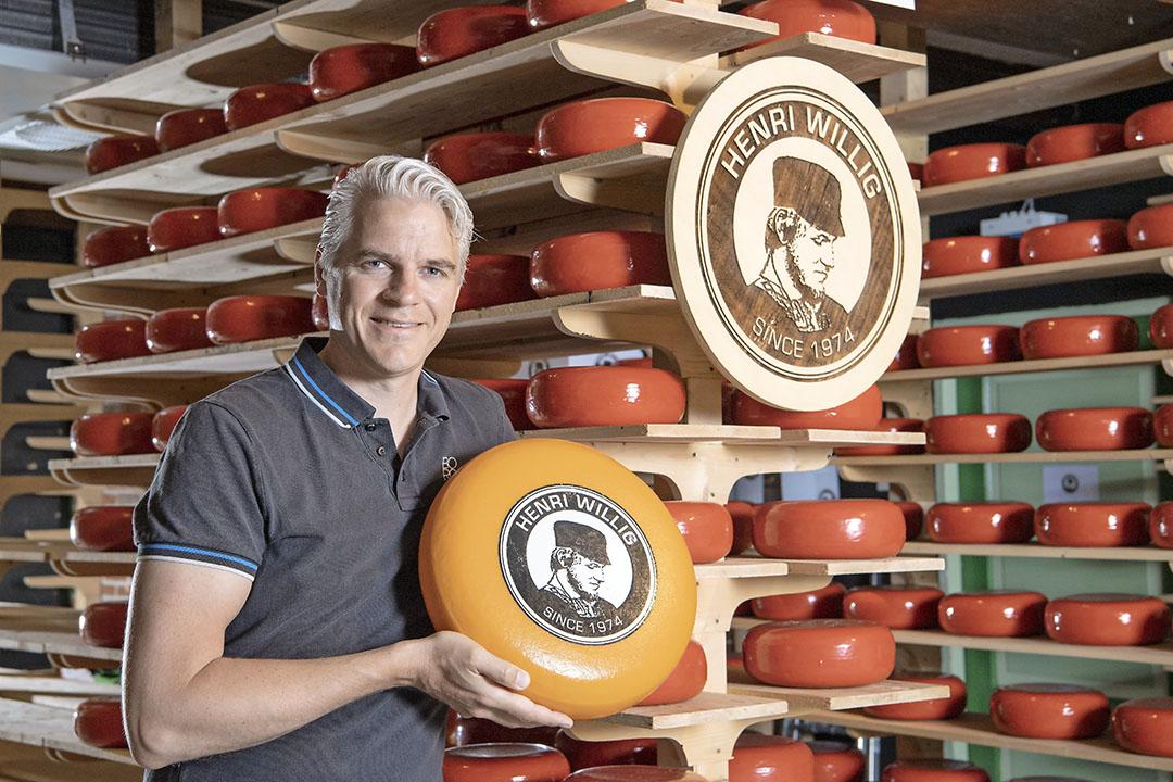 Kaasmakerij Henri Willig is goed voor de productie van 7 miljoen kilo kaas per jaar. Klassieke Goudse kaas, maar ook geiten- en schapenkaas en exotischer smaken zoals pesto- en lavendelkaas, zegt directeur Wiebe Willig. - Foto's: Cor Salverius