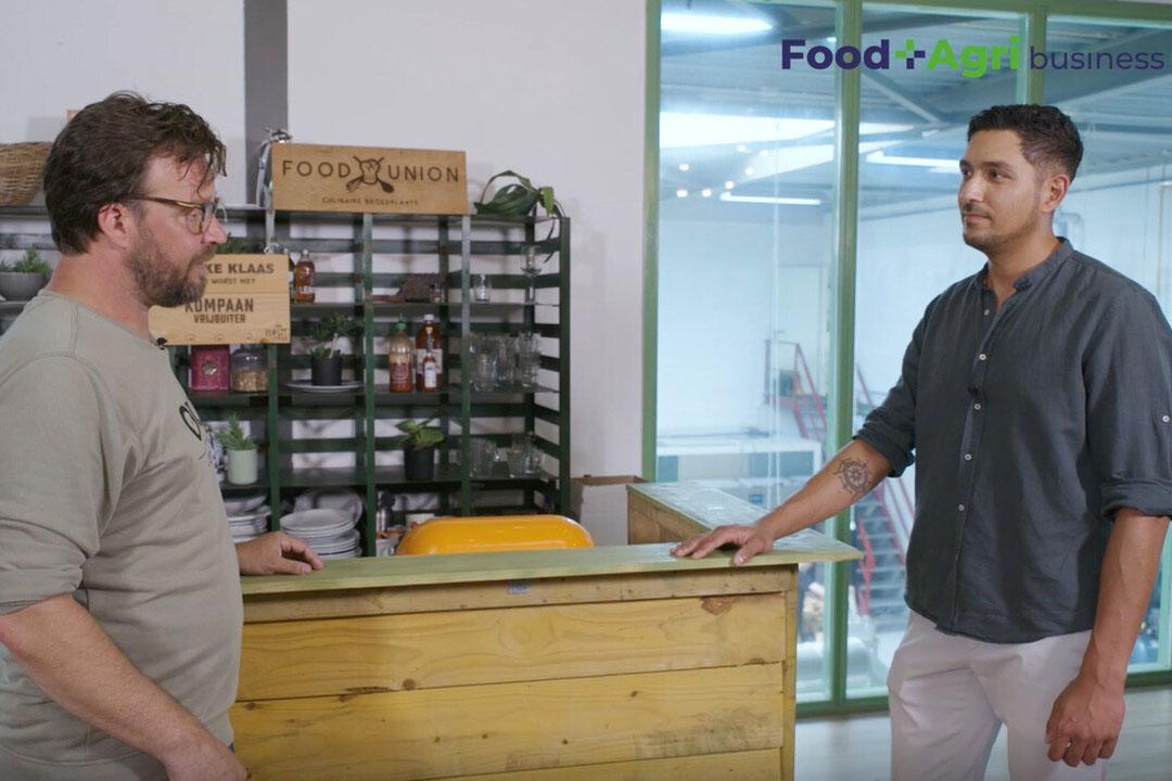Remko Hol (Olijck Foods) in gesprek met presenator Paul Veerman. - Beeld: Imago Mediabuilders