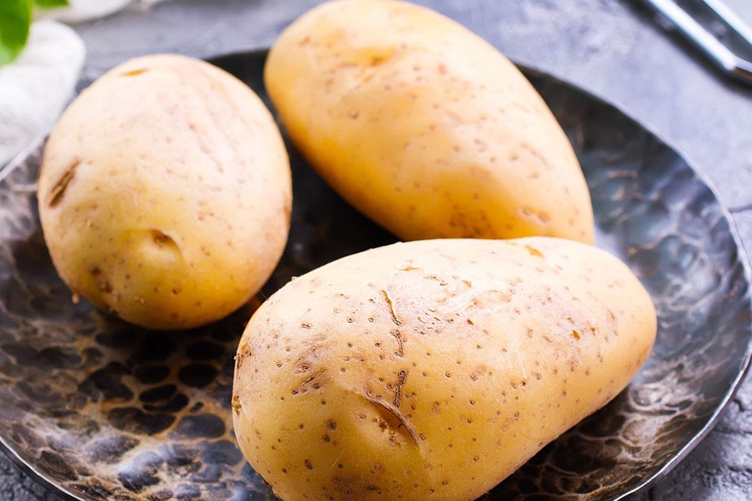 Aardappelen op het bord. Belgen aten meer aardappelen in de coronacrisis. - Foto: Canva.com