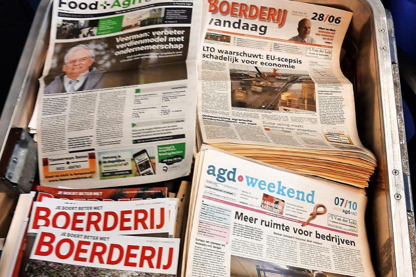 Stapels oude kranten komen tevoorschijn bij de verhuizing van de Tweede Kamer. En daaruit blijkt dat de geschiedenis zich herhaalt. - Foto: Mariska Vermaas