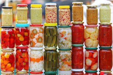 Onlangs ontdekten de onderzoekers dat door de fermentatie van gepekelde komkommers een stabiele, natuurlijk voorkomende gezondheidsbevorderende verbinding wordt gegenereerd: gamma-aminoboterzuur (GABA). - Foto: Canva