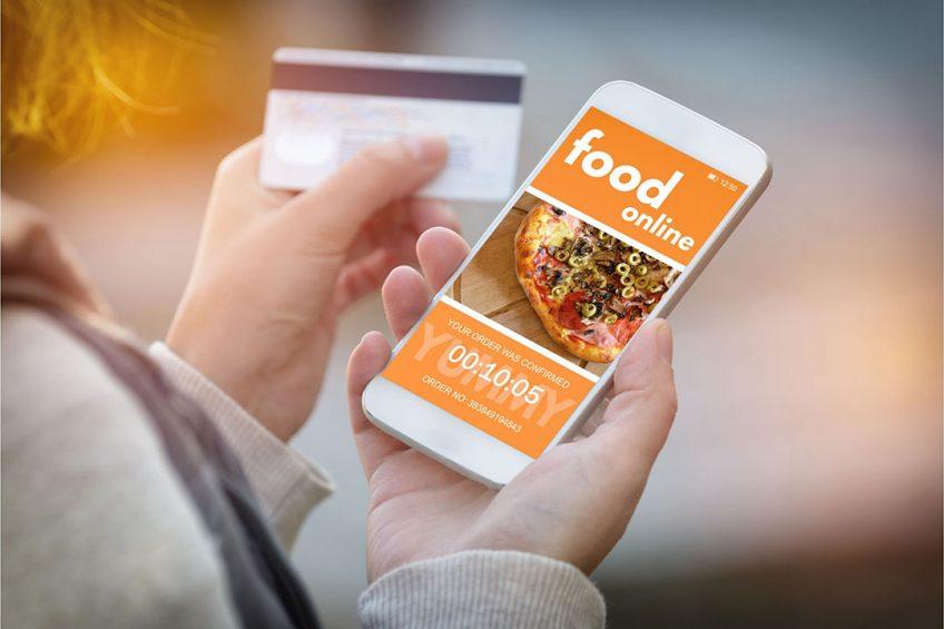 Digitale interactie met klanten is een basisvoorwaarde geworden voor foodservicebedrijven. - Foto: Canva