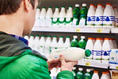Gangbare consumptiemelk ondervindt de laatste jaren steeds meer concurrentie van plantaardige melkalternatieven. - Foto: Canva