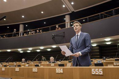 Foto: Jan Huitema (VVD) in het Europees Parlement in Brussel.