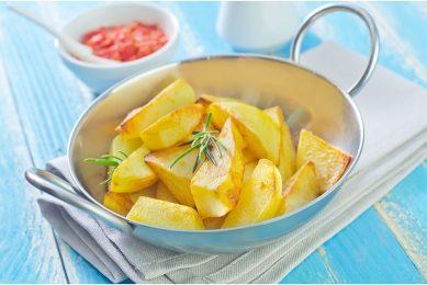 Ten opzichte van de maand mei is er 14.000 ton meer verwerkt tot voorgebakken frites en andere aardappelproducten. Foto: Canva