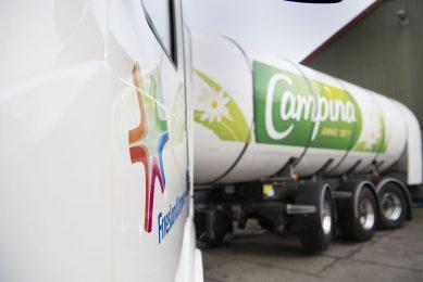 RMO-wagen van FrieslandCampina haalt melk op bij melkveebedrijf. De gemiddelde garantieprijs bedraagt dit jaar tot en met augustus €36,41 per 100 kilo. - Foto: Mark Pasveer